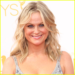 Amy Poehler Details Her Experiences with Drugs Including Cocaine, Ecstasy, & Marijuana