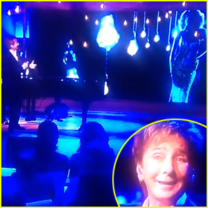 Barry Manilow Duets 'I Believe in You & Me' Live with the Late Whitney Houston - Watch Now