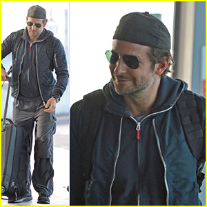 Bradley Cooper Reveals How to Shut Up a Giants Fan