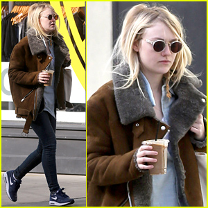 Dakota Fanning Doesn't Seem to Mind the Chilly Weather!