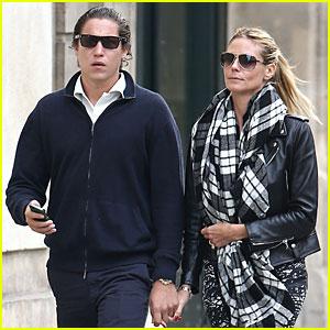 Heidi Klum & Boyfriend Vito Schnabel Enjoy Romantic Stroll in Paris