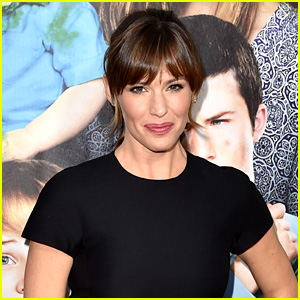 Jennifer Garner Says She Was a Streaker in College!