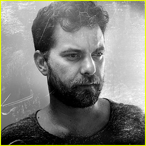 Joshua Jackson Opens Up About Sex & Blame in 'The Affair'