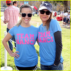 Reese Witherspoon & Renee Zellweger Join Team Nanci at ALS Wa
