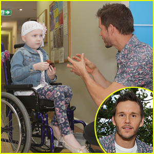 Ryan Kwanten Visits Sick Children in Hometown of Sydney