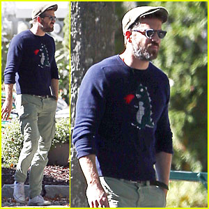 Ryan Reynolds Steps Out Before Blake Lively's Pregnancy News