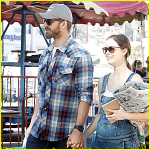 Summer Glau Shows Off Small Baby Bump on Farmer's Market Sunday with Fiance Val Morrison