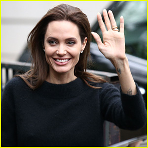 Angelina Jolie Arrives in Paris Sans Brad Pitt