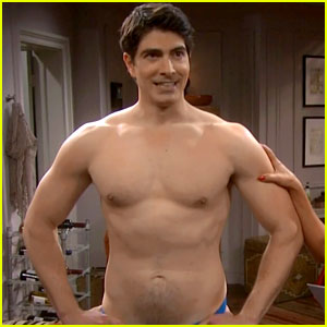 Brandon Routh Goes Shirtless in Tonight's 'The Exes' Premiere!