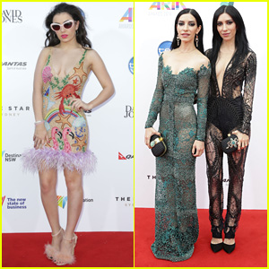 Charli XCX & The Veronicas Are All About the Cleavage at Australia's ARIA Awards 2014