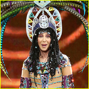 Cher Cancels Tour After Suffering Kidney Infection