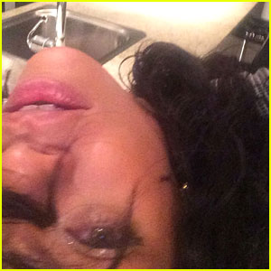 Rihanna Returns to Instagram - @badgalriri is Back!!!