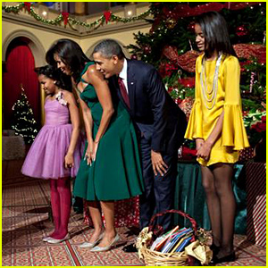 President Obama & His Family Spread Holiday Cheer at the White House!