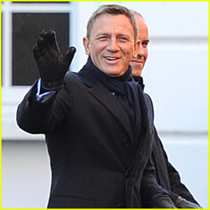 Daniel Craig Waves to His Fans While Continuing to Film 'Spectre'