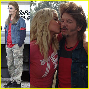 'Joe Dirt 2' is Happening & Here's David Spade Back on Set!