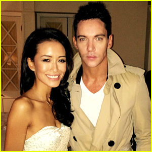 Jonathan Rhys Meyers: Engaged to Girlfriend Mara Lane?