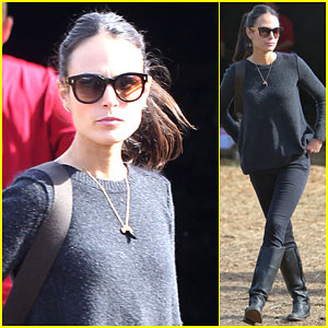 Jordana Brewster Celebrates Sunday Brunch with Her Family