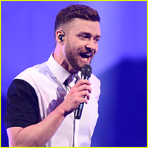 Justin Timberlake Shows His Emotional Side After Accepting Young Fan's Gift - Watch Now!