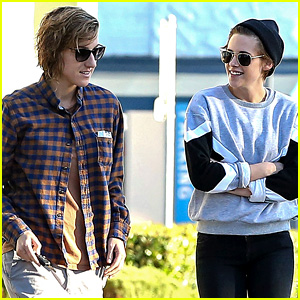 Kristen Stewart Laughs it Up at Lunch with Gal Pal
