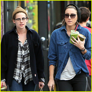 Kristen Stewart Spends Christmas Eve with BF