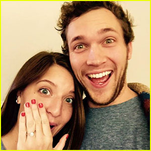 'American Idol's Phillip Phillips Proposes to His Long-Time Girlfriend Hannah Blackwel