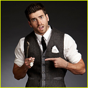 Ryan Rottman Makes It Impossible to Focus on His Timepie