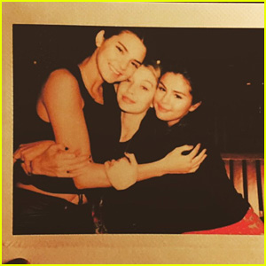 Selena Gomez Flies to Dubai with Kendall Jenner, Cody Simpson, Gigi Hadid & More for New Year's!