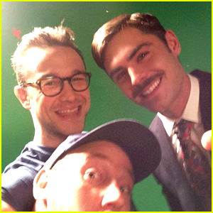 Zac Efron Sports a Full Mustache in This New Photo!