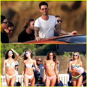 maroon 5 singer dating vs model