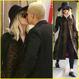 Pregnant Ashlee Simpson Shows Some PDA with Husband Evan Ross