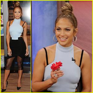 Jeremy Renner Defends His Jennifer Lopez 'Golden Globes' Joke