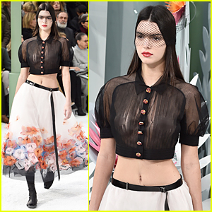 Kendall Jenner Goes Braless & Flashes Nipples at Paris Fashion Show