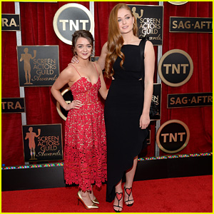 Maisie Williams & Sophie Turner Hit SAG 2015 Carpet Together!