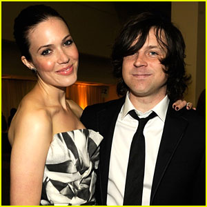 Mandy Moore is Shocked By Ryan Ada