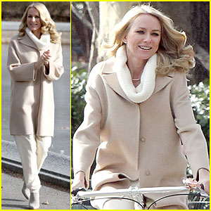 Naomi Watts Set to Receive the Costume Designers Guild's Spotlight Award