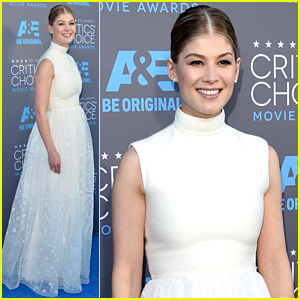 Rosamund Pike Is Far from 'Gone' at Critics' Choice Awards 2015