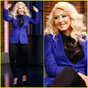 Christina Aguilera Impersonates Samantha from 'Sex and the City' - Watch Now!