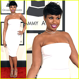 Jennifer Hudson Is A Vision in White at Grammys 2015