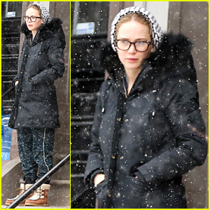 Jennifer Lawrence Wears Geek Chic Eyeglasses - See the Photos!