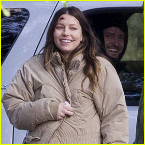 Justin Timberlake Visits Pregnant Jessica Biel on Set (Photos)