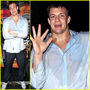 rob-gronkowski-has-a-wild-party-night-af