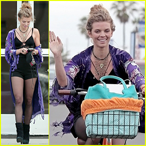 AnnaLynne McCord Opens Up on Date With Notre Dame Leprechaun