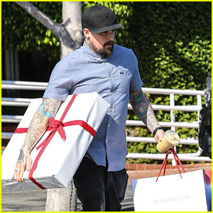 Benji Madden Leaves Fred Segal With Huge Packages