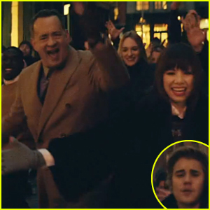 Tom Hanks Lip Syncs in Carly Rae Jepsen's 'I Really Like You' Music Video - Watch Now!