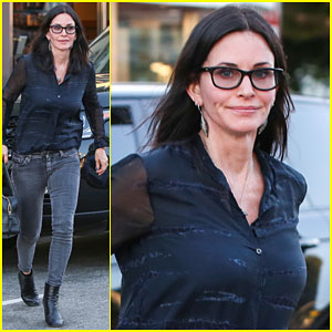 Courteney Cox Thanks Her Fans For Watching 'Cougar Town'