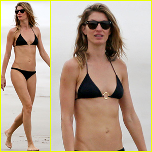 Gisele Bundchen Puts Her Flawless Bikini Body on Display
