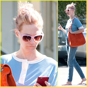 January Jones Debuts New Bright Pink Hair