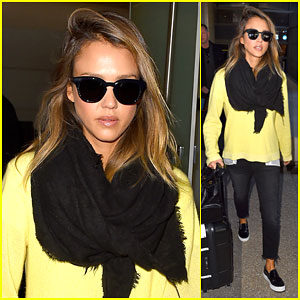 Jessica Alba Reveals How She Picks Out an Outfit