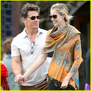 Josh Brolin & Girlfriend Kathryn Boyd Hold Hands at Church