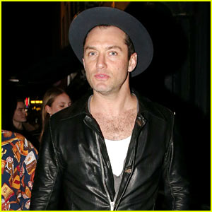 Jude Law Steps Out for First Time After Fifth Child's Birth!